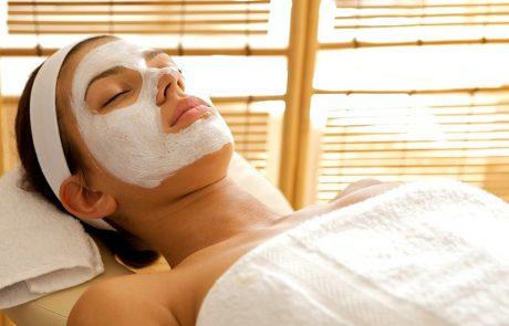 5 יתרונות בטיפול פנים